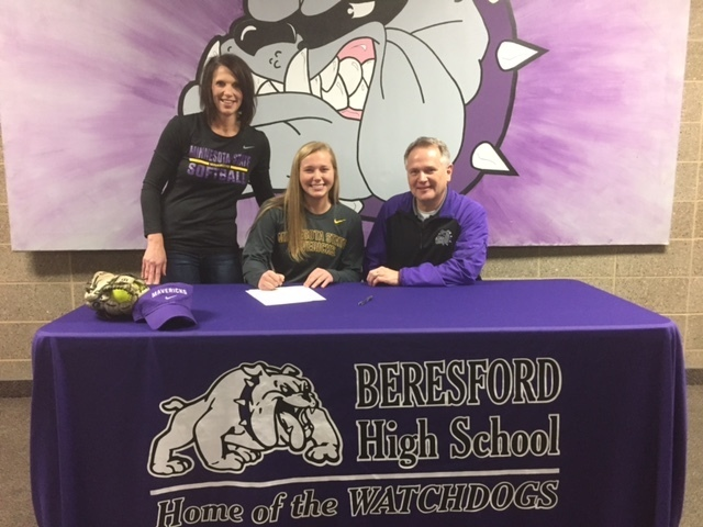 Sydney Nelson with Parents